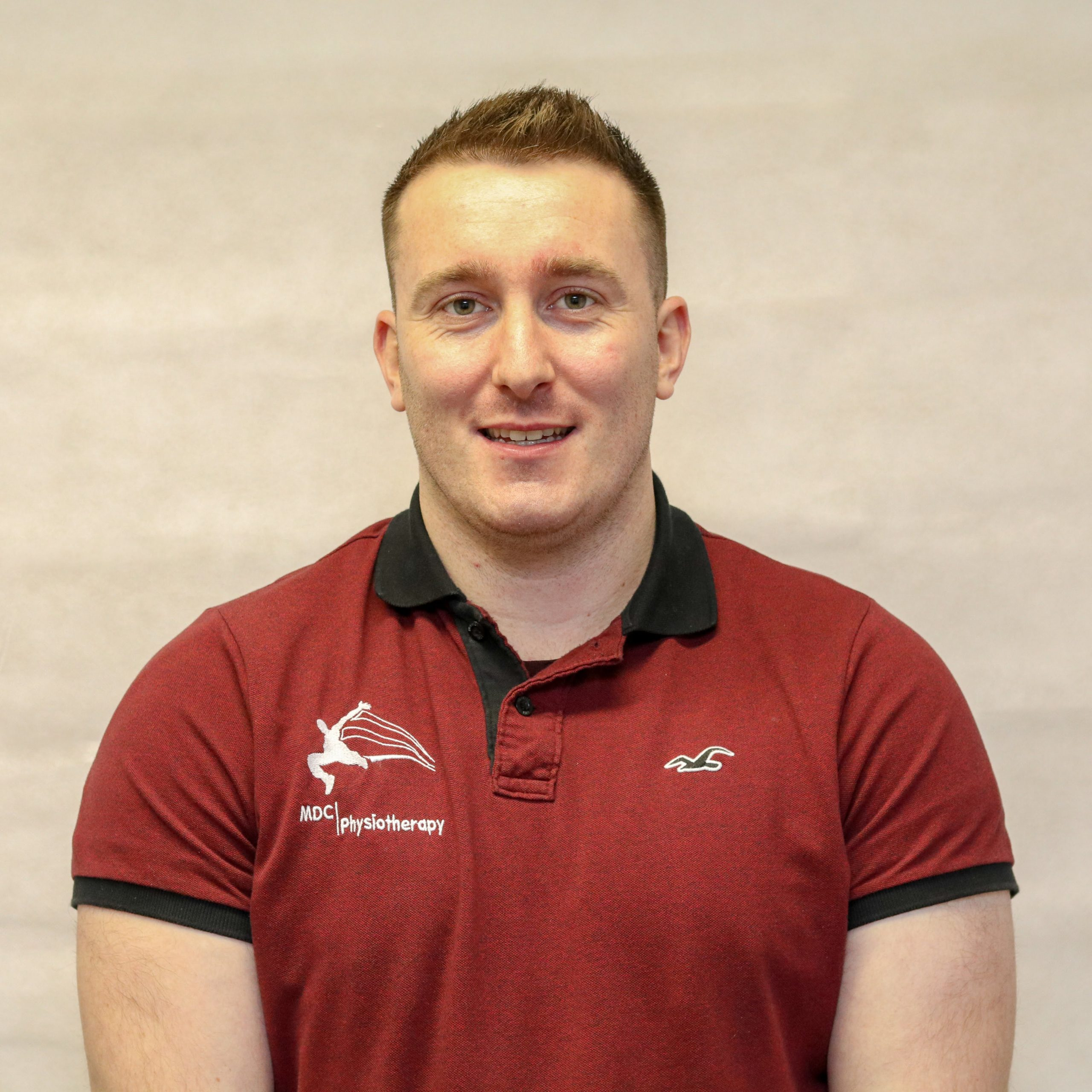 Eoghan Mealey – Physiotherapist
